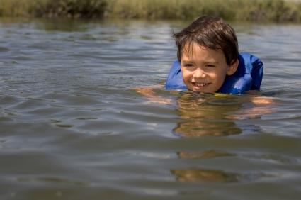 boy swimming river - photo #47